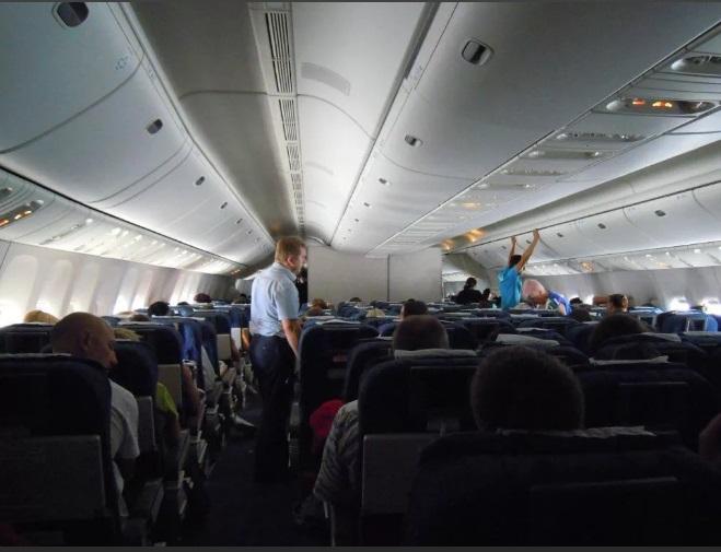 салон самолета фото