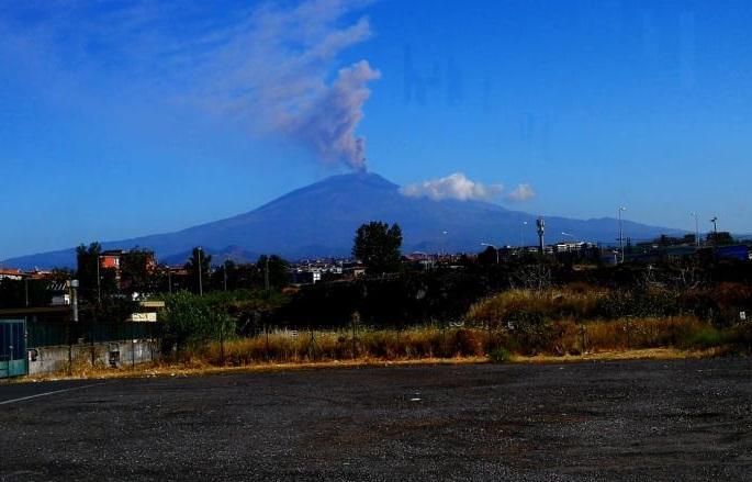 вулкан этна выброс