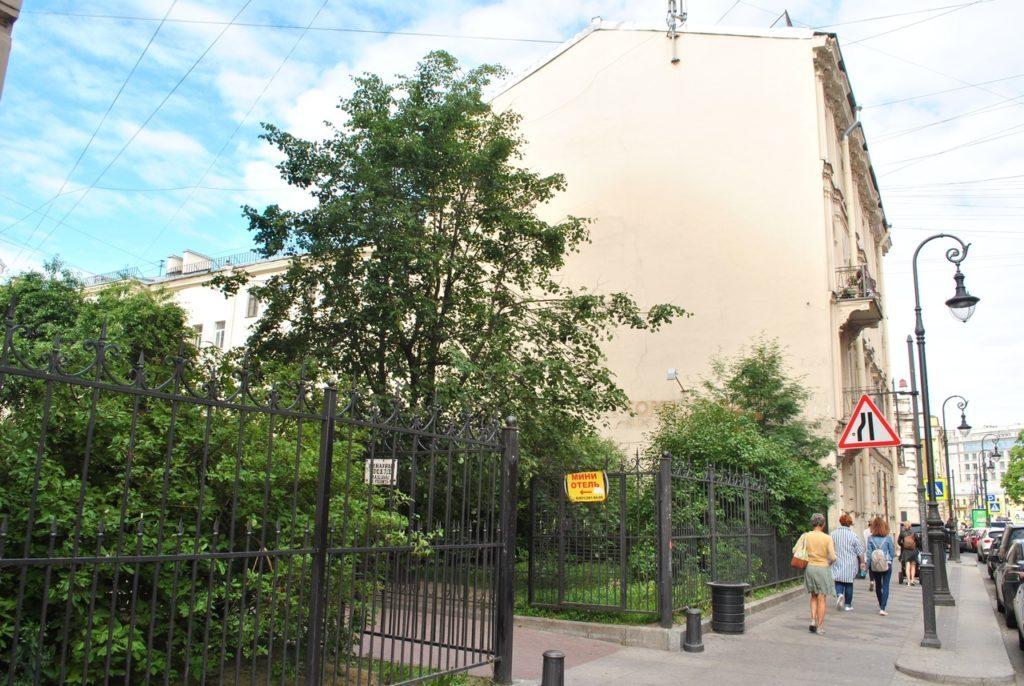 Сквер в Кузнечном переулке