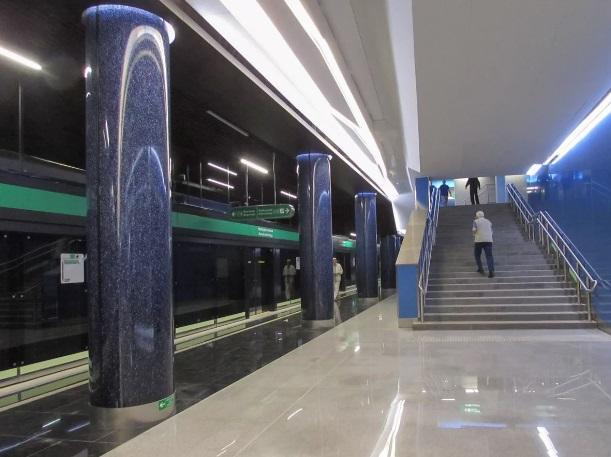 станция метро новокрестовская