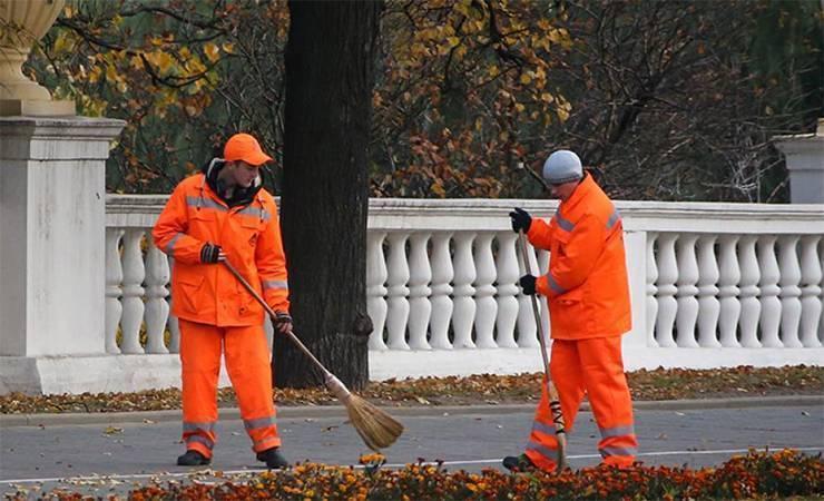 Безработным петербуржцам предложат заняться общественными работами