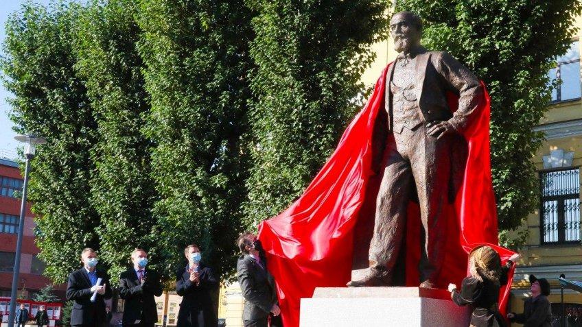 Памятник Николаю Путилову открыли на проспекте Стачек