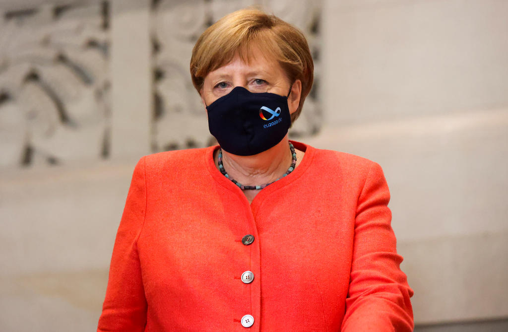 меркель в маске фото