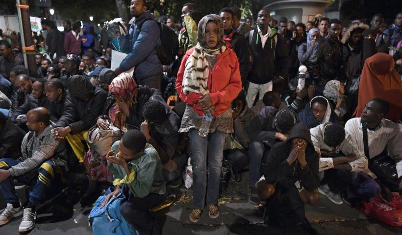 мигранты захватили детсад в париже