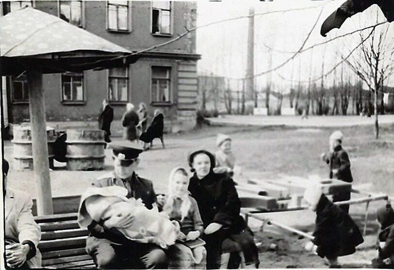 Новолитовский сквер петербург
